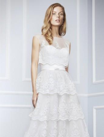 vestito da sposa in organza effetto sangallo conna svasata a balze e camicia girocollo blumarine