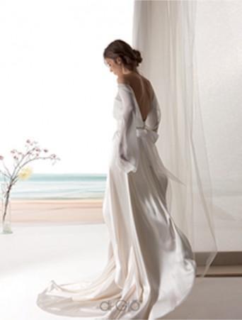 vestito da sposa scivolato le spose di giò in satin con camicia in georgette e schiena nuda maniche lunghe