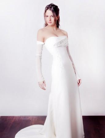 vestito da sposa Joelia in tripla organza e pizzo scivolato decolletè con manicotti
