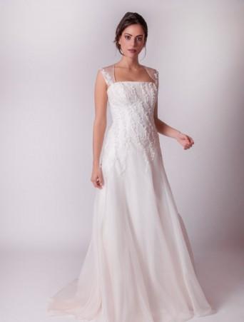 vestito da sposa svasato con motivi in pizzo su organza spalline larghe organza con applicazione in pizzo joelia