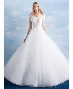 abito da sposa ampio in tulle