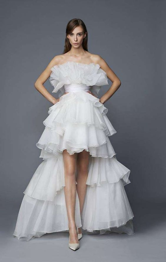 abito da sposa corto  davanti e lungo dietro