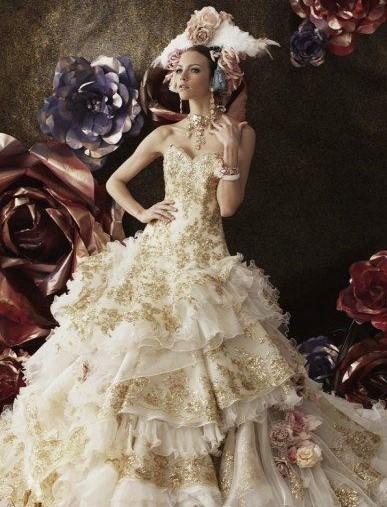 abito da sposa avorio e oro stile settecento