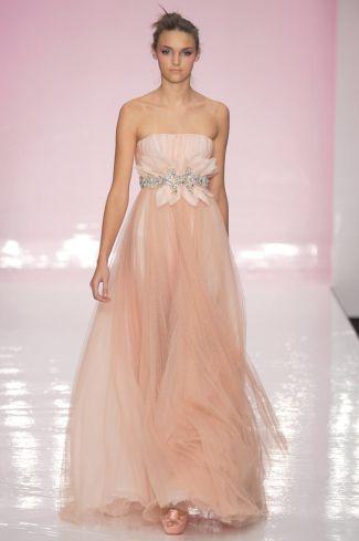 abito da sposa stile impero rosa in chiffon adatto per gravidanza