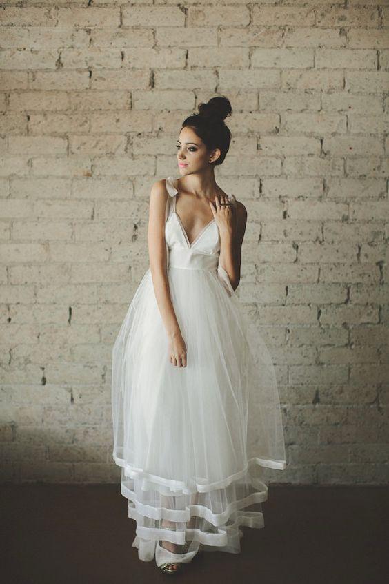 abito da sposa in tulle vita alta adatto per sposa in geravidanza