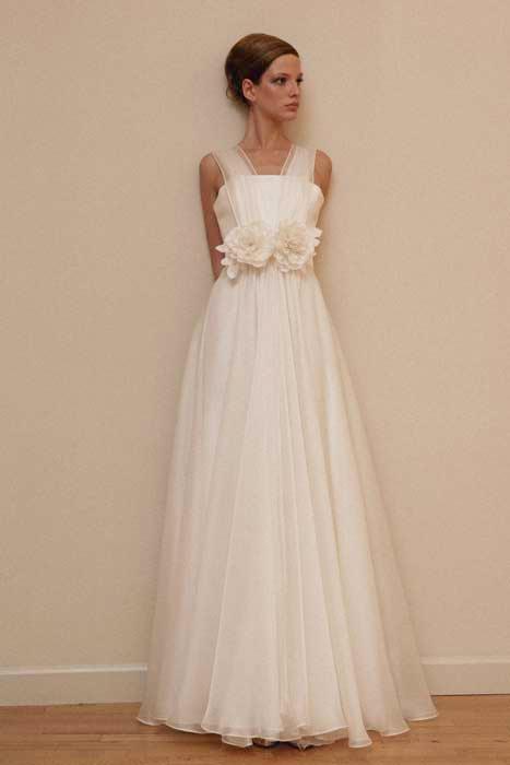 4273d88586f07 Con la consulenza della Fata Madrina trovi l abito da sposa dei tuoi ...