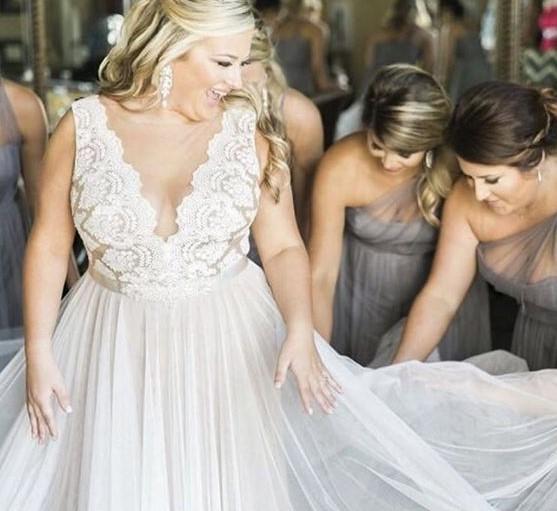 vestizione sposa curvy