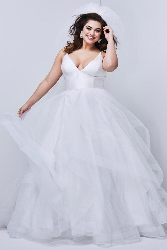 vestito da sposa curvy con scollo a V