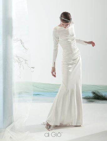 Vestito da sposa le Spose di Giò a sirena in satin maniche lunghe scollo a barca cintura bustier drappeggiata