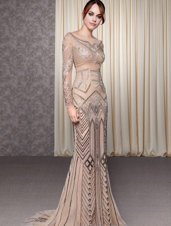 vestito da sposa Atelier Emè Sirena effetto nude-look con maniche lunghe in tulle, ricamata a mano con cristalli e corallini.
