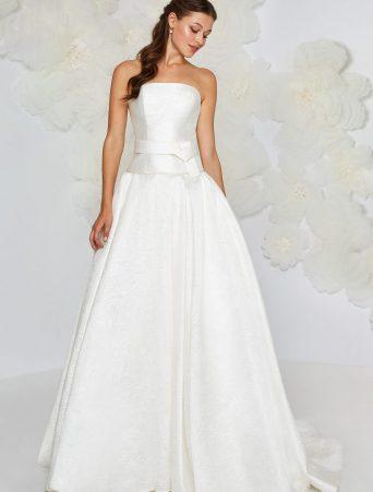 vestito da sposa Atelier Emè svasato gonna arricciata in tessuto operato corpetto in mikado decolletè a vita bassa con cintura