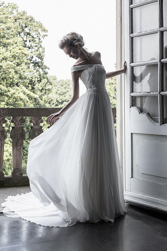 abito da sposa enzo miccio monospalla in chiffon
