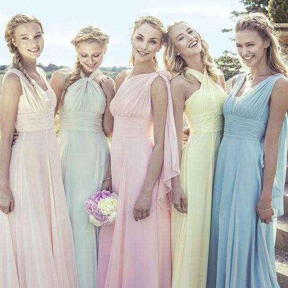 idee per gli abiti delle damigelle d'onore alle nozze