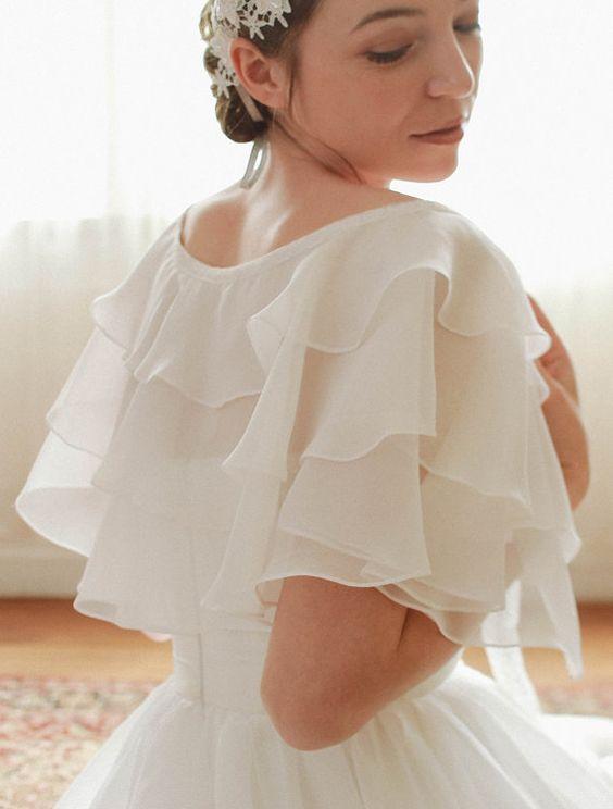 coprispalle da sposa in organza a mantellina con balze