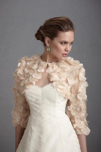Coprispalle sposa con fiori effetto 3D in organza manica lunga