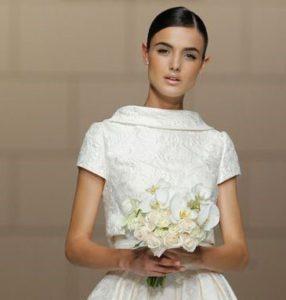 giacchino coprispalle sposa a manica corta in tessuto damascato fronte