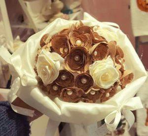 bouquet da sposa con fiori in sughero