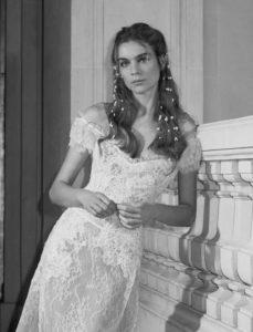 Elie Saab acconciatura sposa con capelli sciolti mossi