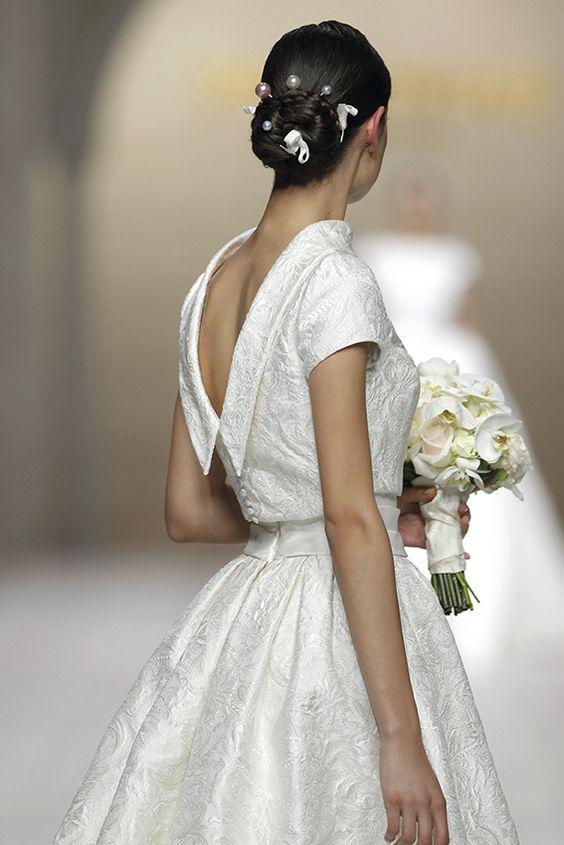 giacchino coprispalle  sposa a  manica corta in tessuto damascato