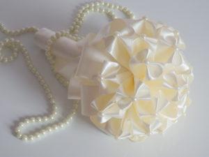 bouquet da sposa realizzato in stoffa