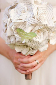 bouquet da sposa realizzato in carta