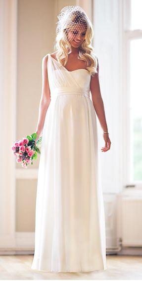 vestito da sposa in gravidanza stile minimal con veletta