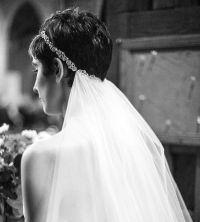 hairstyle capelli corti il velo da sposa
