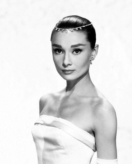 Audrey Hepburn acconciatura sposa