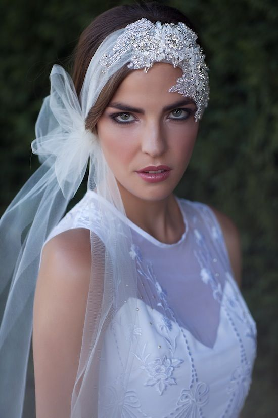 velo da sposa particolare per sposa con capelli corti