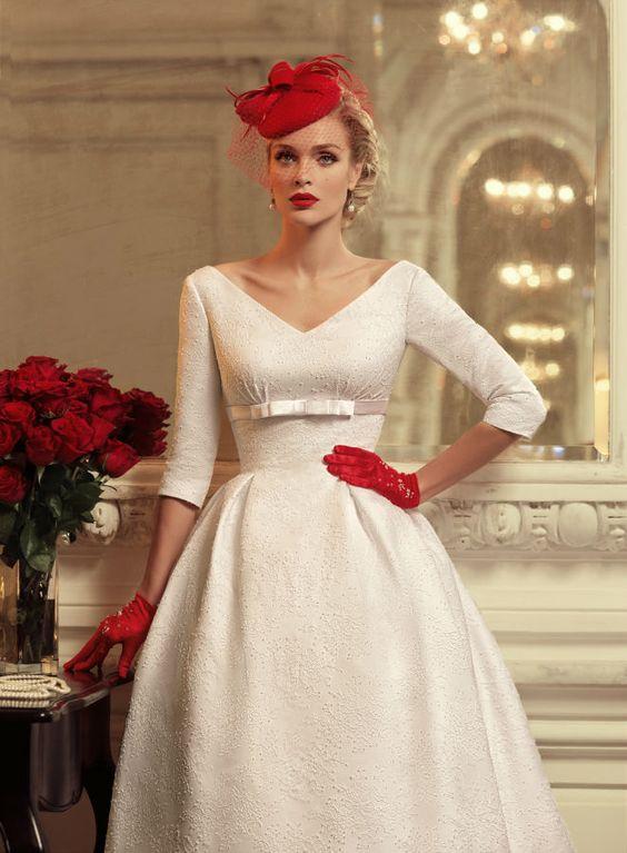 abito da Sposa vintage anni 50 con guanti rossi corti