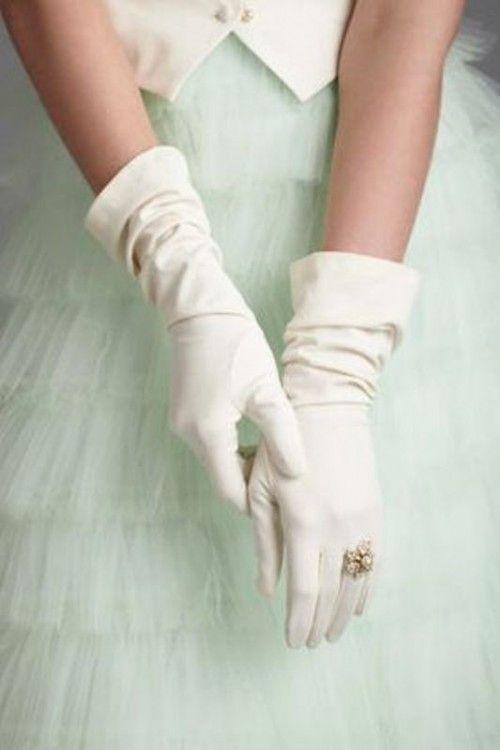 guanti da sposa lunghezza media