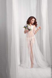 Completo di wedding lingerie bianco per la prima notte di nozze