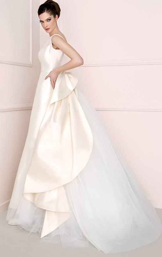 vestito da sposa Antonio Riva rosa con dietro importante