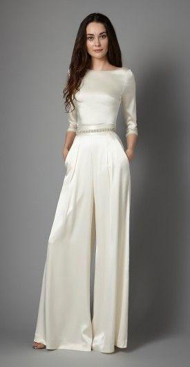 abito da sposa minimal con gonna pantalone