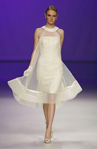 abito da sposa corto tubino con sopraveste in organza