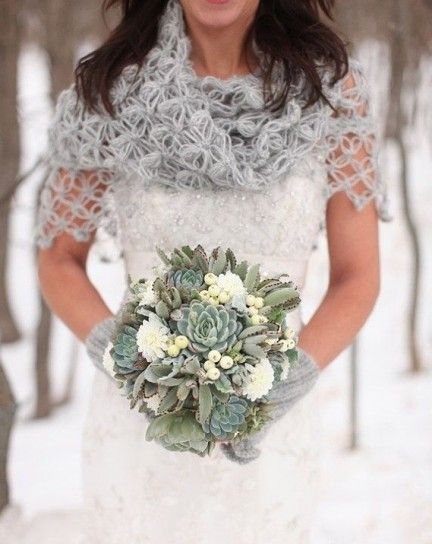 scialle da sposa coprispalle invernale in lana lavorato ad uncinetto