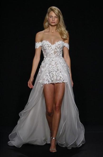 abito da sposa mini con pannello sopragonna in organza