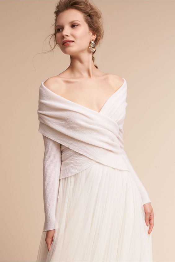 abito da sposa con pull e gonna in tulle