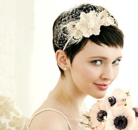 cerchietto sposa con fiori ad uncinetto