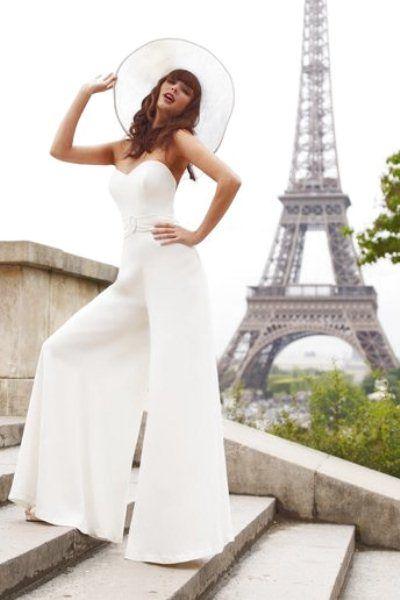 tuta da sposa minimal con pantapalazzo