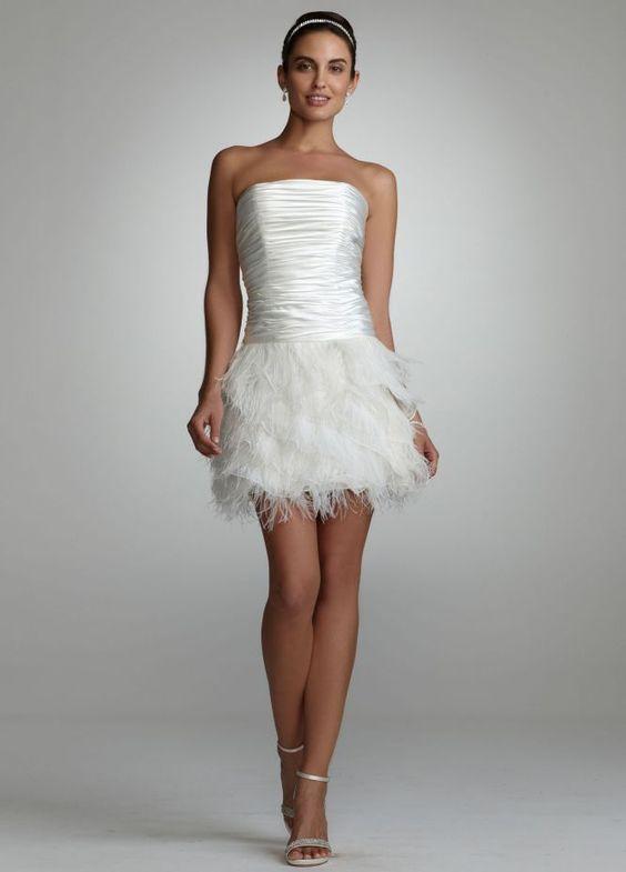 abito da sposa corto con piume