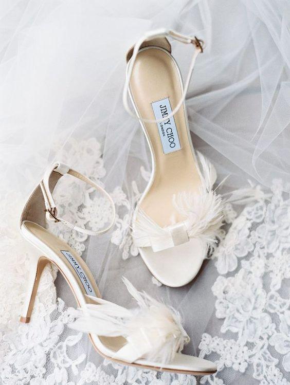 calzatura sposa con piume