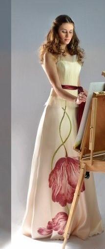 abito da sposa con gonna fantasia floreale dipinta a mano