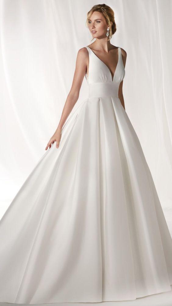 vestito da sposa ampio semplice
