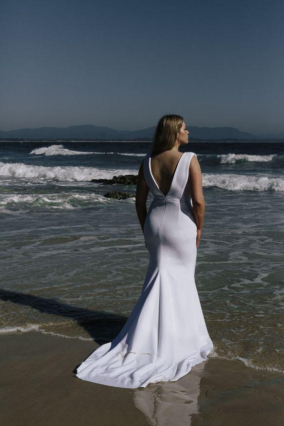abito da sposa minimal sposa curvy