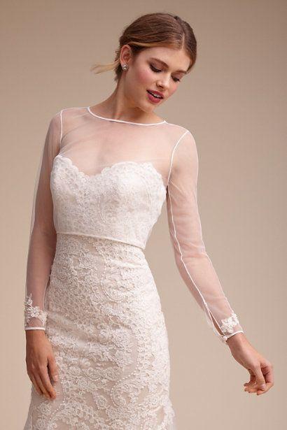coprispalle sposa in tulle elastico su abito da sposa decolletè in pizzo