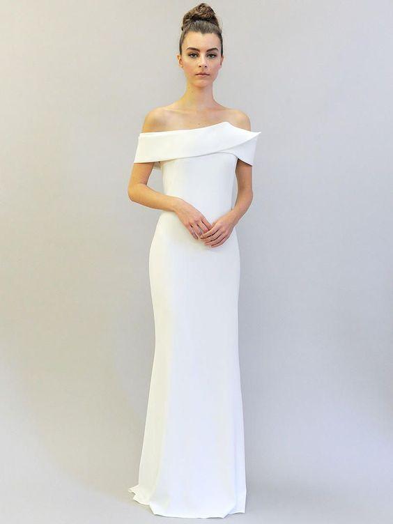 abito da sposa minimal chic con scollatura omerale