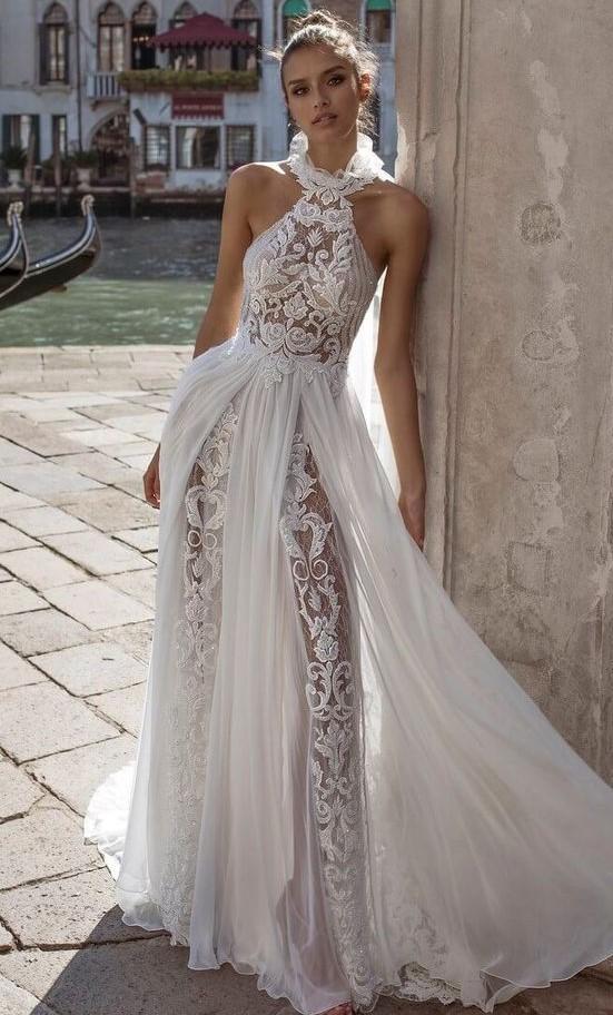 abito da sposa particolare con pantaloni