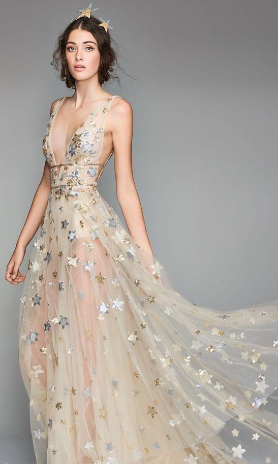 abito da sposa particolare dorato