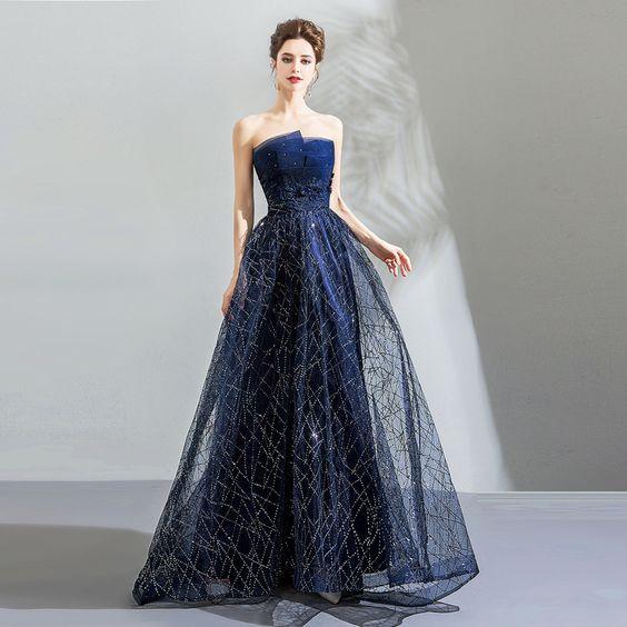 abito da sposa blu